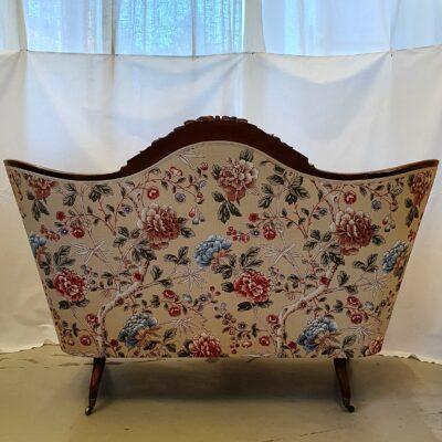 """Soffa nyklädd i """"Tangley Manilla/Woad"""" från William Morris & CO."""